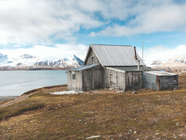 Wooden hut - Krossfjord
