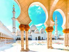 Cour intérieure de la grande mosquée Sheikh Zayed, Abou Dabi - Emirats arabes unis