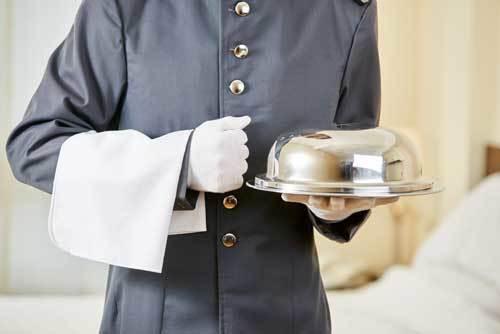 Room service en croisière : coûts, menus, heures de livraison, astuces