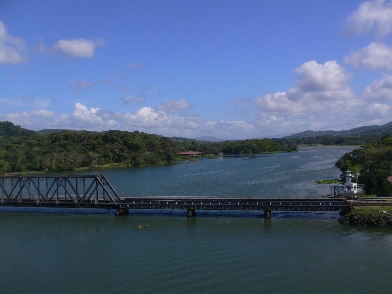 Axe routier sur le Canal de Panama