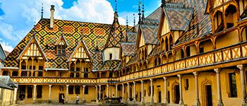 En avril 2021 en hôtel 5*, découvrez la Bourgogne avec un plateau musical exceptionnel.Visitez les hospices de Beaune et le Clos Vougeot