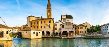 Découvrez les magnifiques demeures et jardins privés de cette sublime Italie. Plongez-vous dans l'atmosphère de cette région si singulière en mai 2021